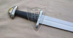 Wikingerschwert aus dem IX. Jahrhundert (Petersen H) leichte Variante